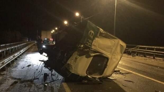Водитель легковушки погиб в результате ДТП с фурой под Брянском