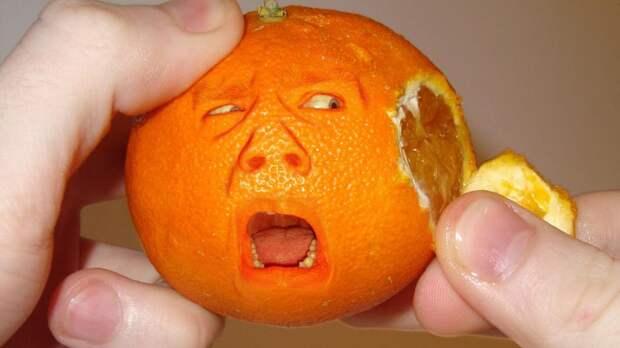 Цитрусовое безумие: четверо китайцев из-за жадности съели сразу 30 кг апельсинов