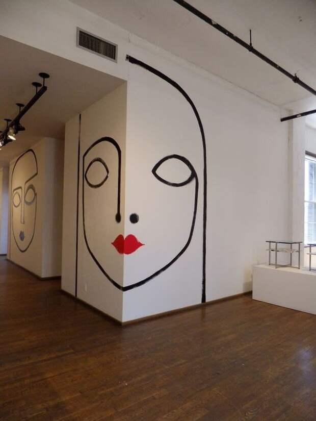 Лица на стене