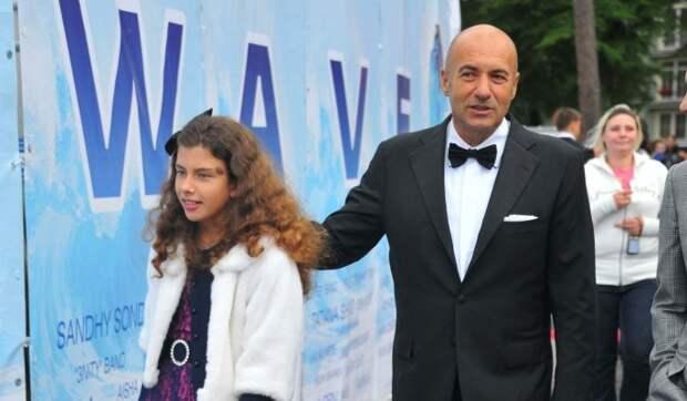 Игорь Крутой устроил трогательный сюрприз повзрослевшей дочери