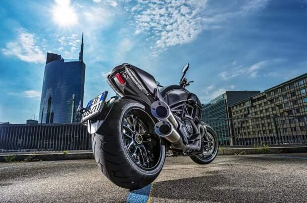 Первый взгляд на Ducati Diavel Carbon