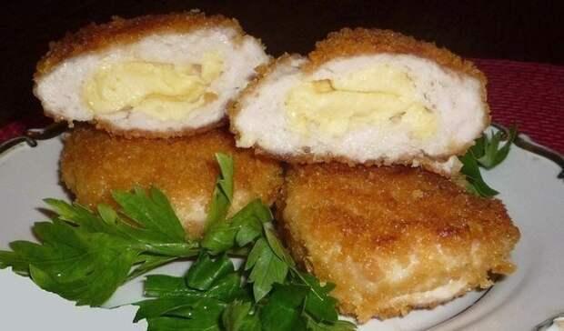 Куриные зразы с сыром и сливочным маслом