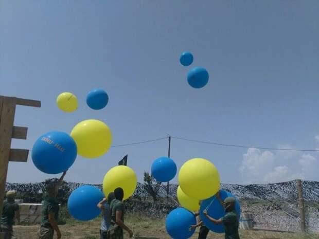 Украинские боевики отправили резиновый «привет» крымчанам (фото)