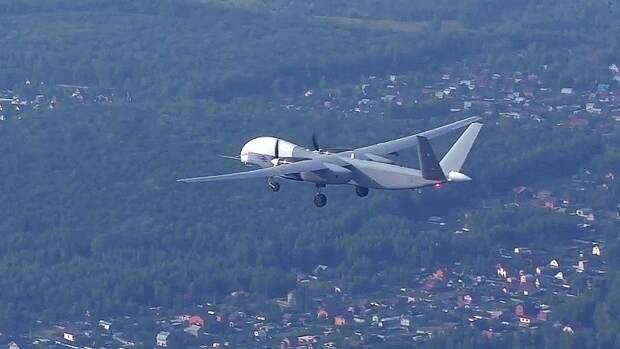 Минобороны показало первый полет тяжелого беспилотника «Альтиус-У»