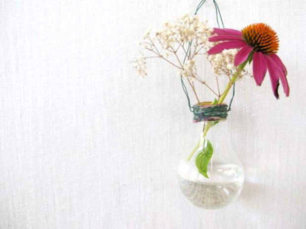ваза для цветов из лампочки
