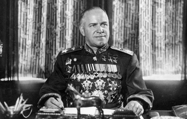 Орден «Победа»: кому вручали самую ценную награду СССР