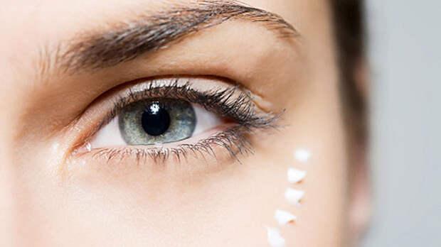 Нежнее нежного: как ухаживать за кожей вокруг глаз?