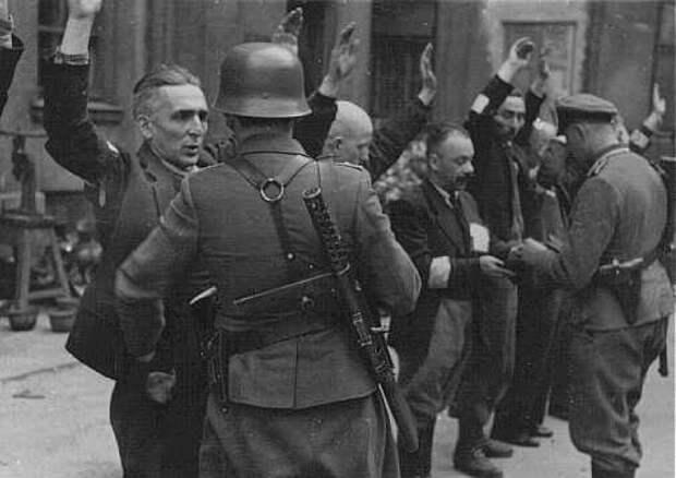 Почему в СССР нацистов ошибочно называли фашистами