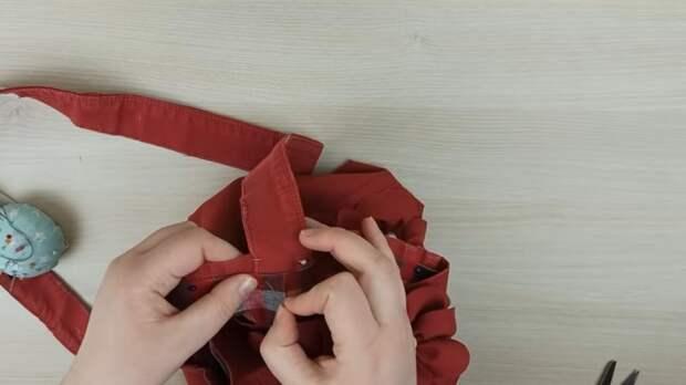 Даже красные джинсы мастерицы очень удачно переделывают