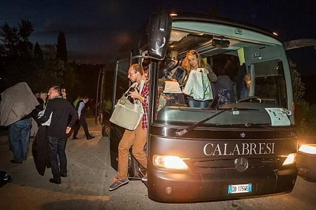 В этом автобусе пришлось провести половину всего путешествия