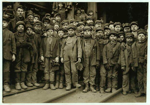 25. Детский коллектив работников угольной шахты в Пенсильвании. 1911 год. америка, дети, детский труд, история