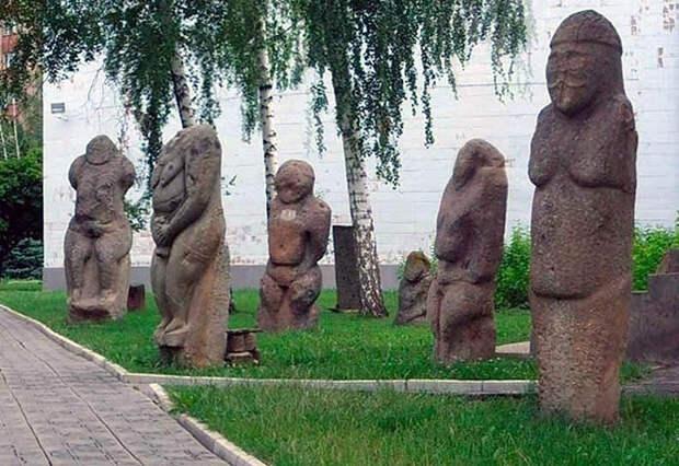 """Половецкие каменные идолы """"балбалы"""""""
