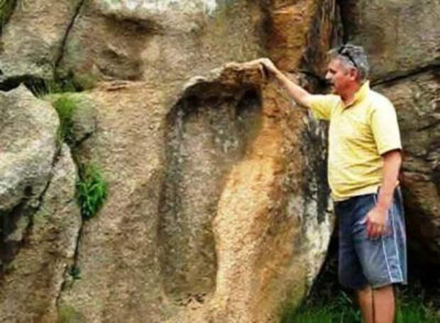 В Африке обнаружили след великана