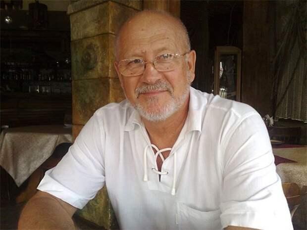 Сенатор от Севастополя  пристыдил россиян, написав стихотворение о тех, кто рванул в Турцию