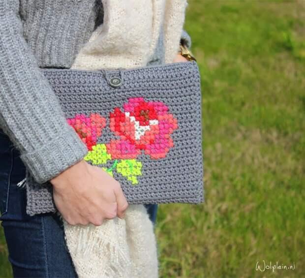 Вышивка на вязании (2 предмета)