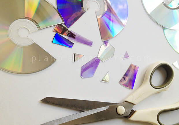 20 блестящих идей применения старых компакт дисков