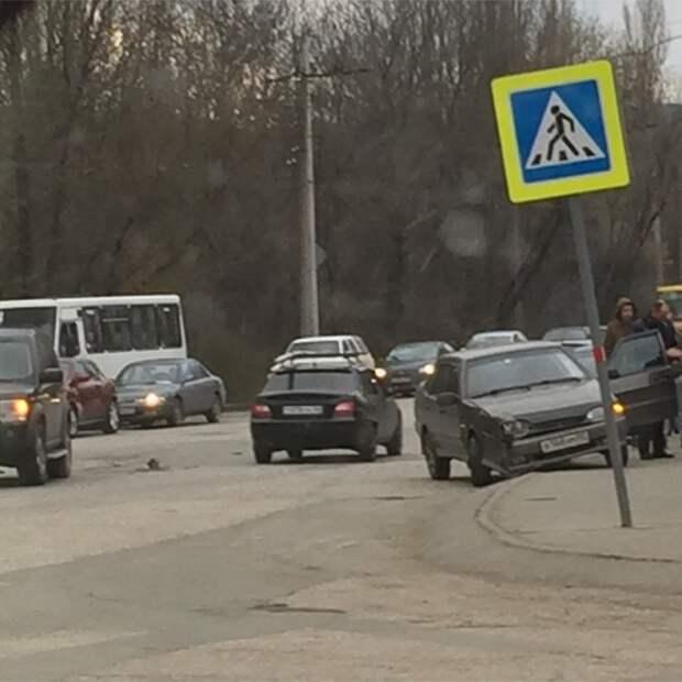 ДТП в Симферополе: Лобовое столкновение возле «Пляжа» (фото)