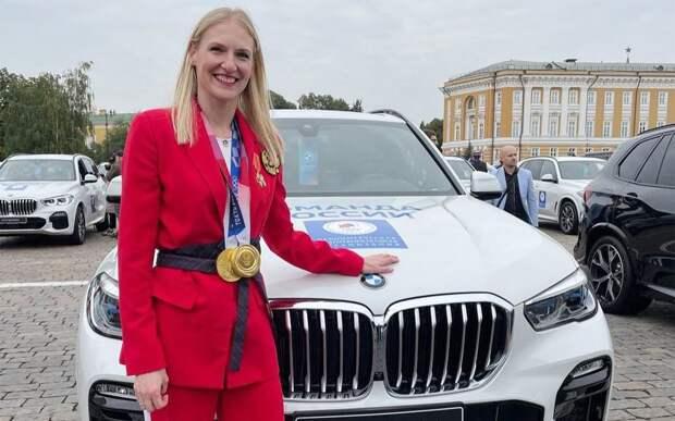 Два российских олимпийца решили избавиться от подаренных Путиным BMW