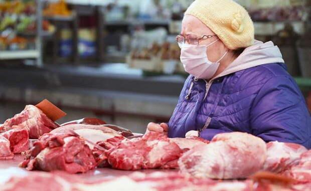 Мясо становится «врагом народа»: 1000 рублей за кило говядины уже к Новому году?