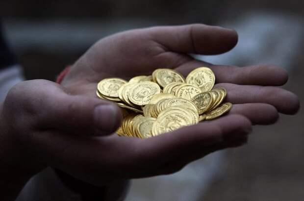 Почему золотыми монетами на расплачиваются в магазинах