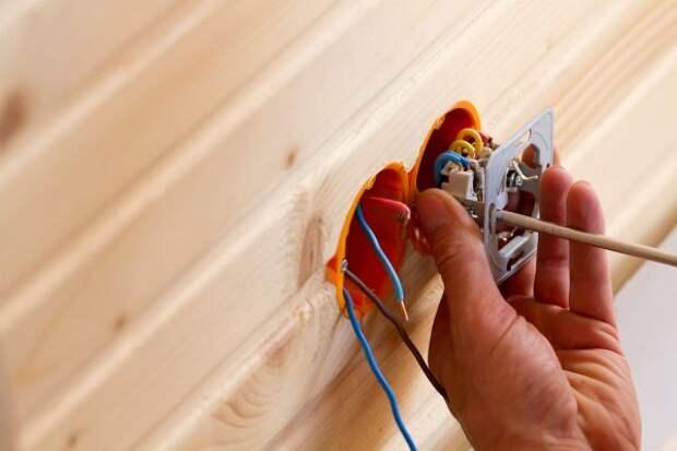 Как перенести выключатель без штробы и проводов