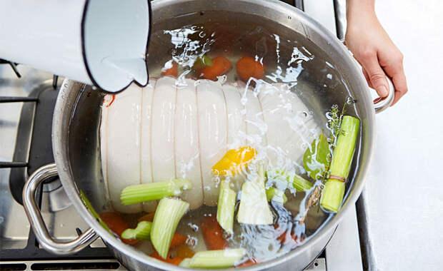Обваливаем мясо в маринаде из апельсинов и получаем вкус Нового года. Ставим в центр стола