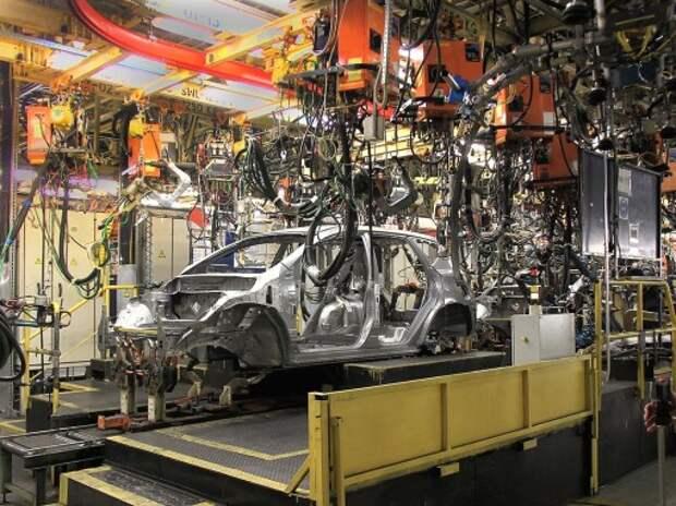 Nissan Motor остановит завод в Петербурге на 2 недели из-за падения спроса