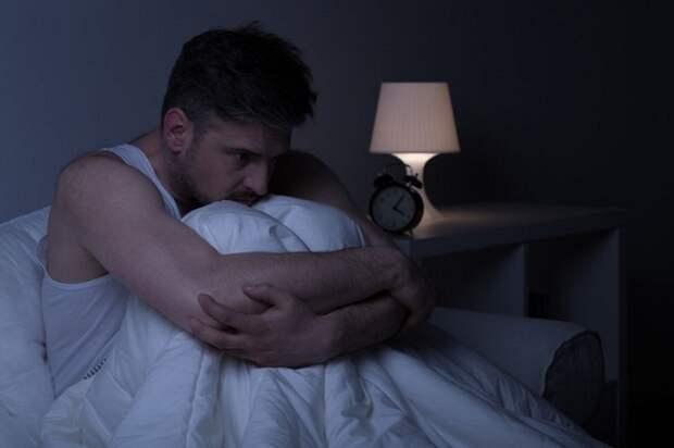 как правильно спать если болит спина