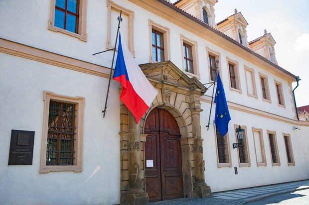 Пресса Чехии: Кошельки населения в опасности – вслед за пенным напитком и бензином дорожает электроэнергия