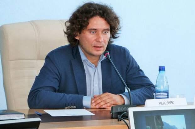 Александр Железняк покинул свой пост в правительстве Севастополя спустя 9 месяцев после назначения
