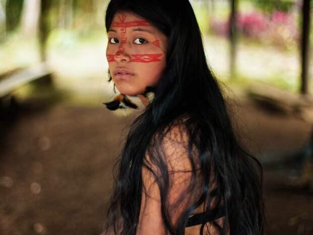 Фотограф объехала 37 стран, чтобы найти самых красивых девушек