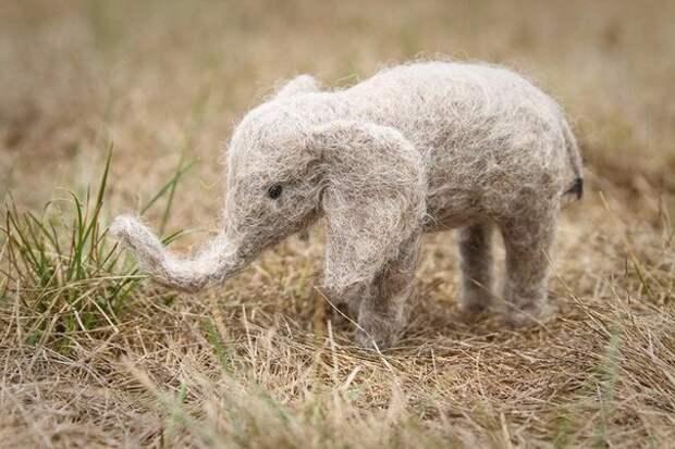 Валяный слон
