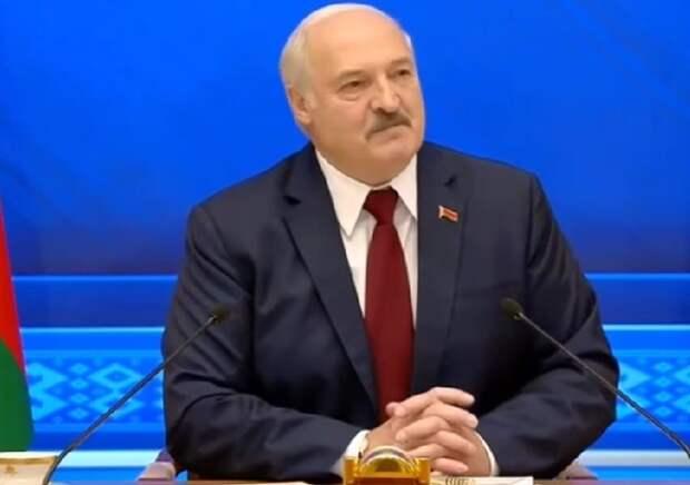 Лукашенко обвинил Польшу пограничном конфликте, а Польша его - в миграционном кризисе