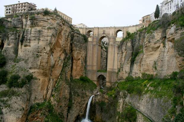 Ronda 2 Ронда: город на скалах и душа Андалусии