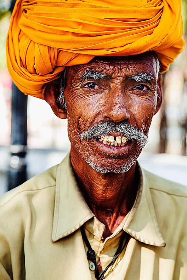 Лица Индии в серии потрясающих фотографий