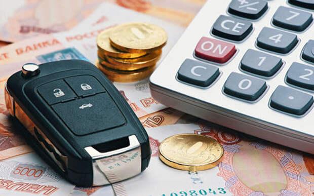 Сколько водитель тратит на машину?