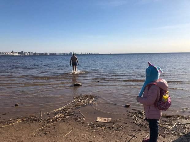 Петербуржцы открыли купальный сезон в Парке 300-летия