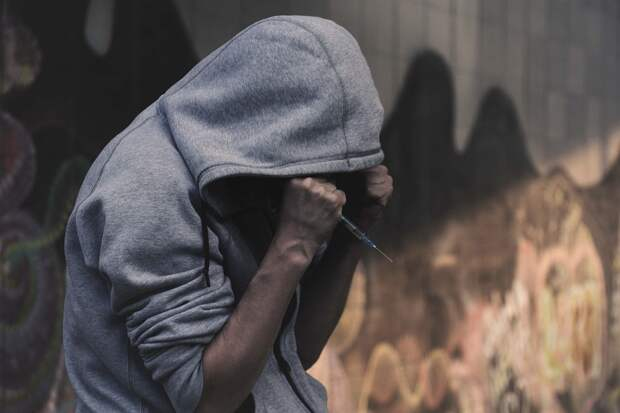 Силовики задержали в Керчи двух наркоторговцев