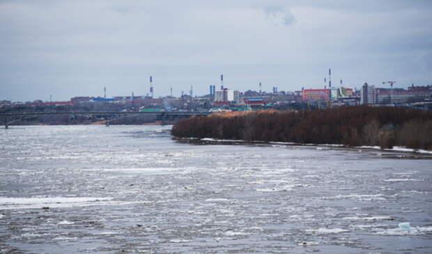 На Иртыше заметили серьезное движение льдин