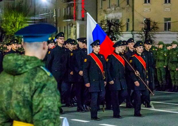 В Твери прошла генеральная совместная тренировка пеших парадных расчетов к параду Победы