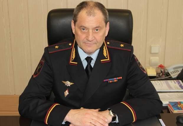 Глава МВД по Коми может быть причастен к получению взятки, заявили в Следственном комитете