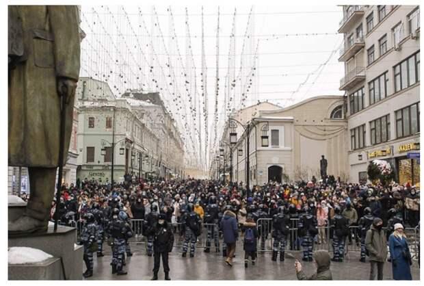 В Самаре студентам и преподавателям госуниверситета официально запретили ходить на митинги