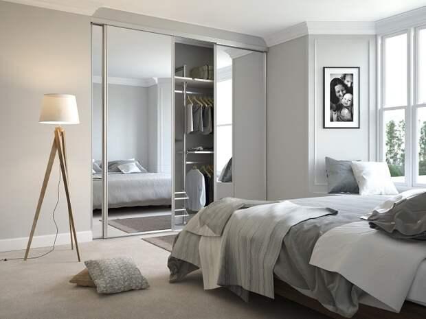 Зеркала отлично справляются с визуальным расширением пространства. /Фото: spaceslide.co.uk