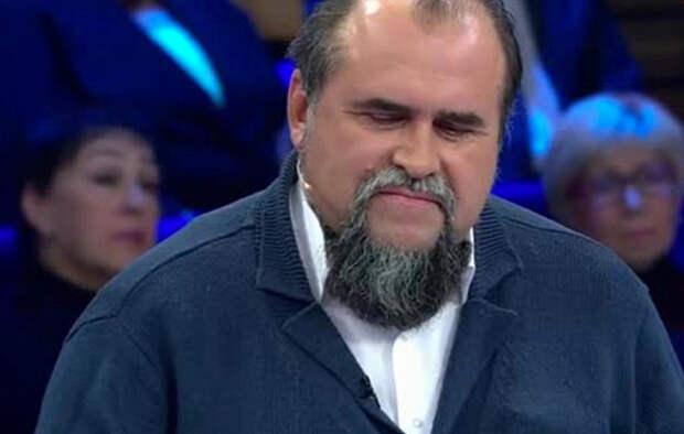 Украинский политолог не обиделся на дернувшего его за бороду Клинцевича