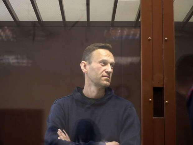 YouTube заблокировал видео разговора Навального с «отравителем»