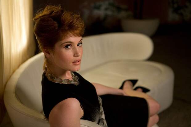Британская актриса театра, кино и телевидения Джемма в роли Филдс в фильме «Квант милосердия», 2008 год.