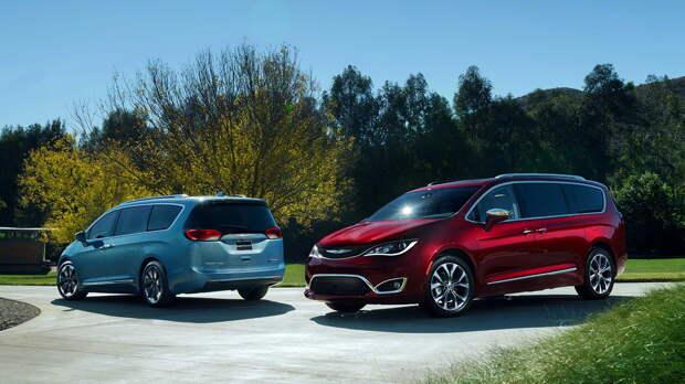 Свежий Chrysler Pacifica 2017 модельного года поступит в продажу ближайшей весной, гибридная модификация подоспеет во второй половине года