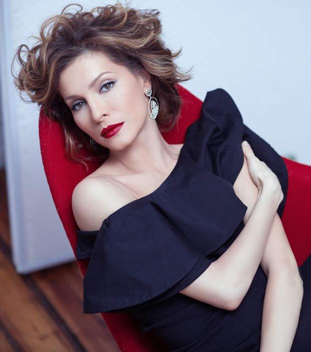 Елена Подкаминская рассказала, почему решилась на домашние роды