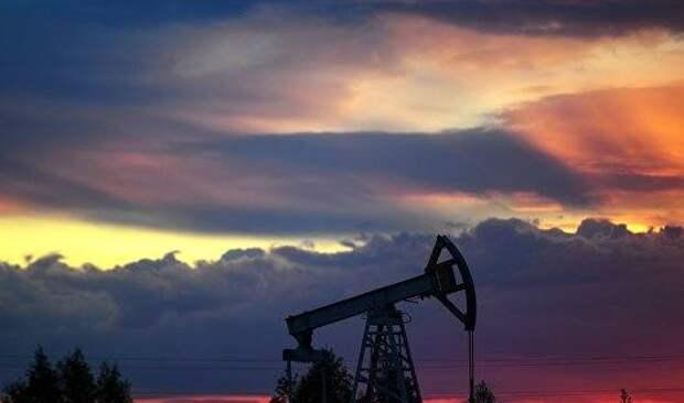 Цены на нефть выросли на сообщениях из Ливии