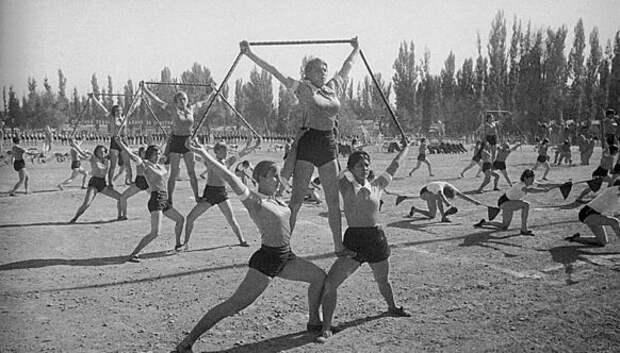 Спортсменки, комсомолки, красавицы 1930‑х